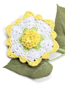 Summer Rose Fabulous Floral Dishcloths. 12 Pretty Crochet Patterns from Annie's Craft Store. Book Review by Oombawka Design Crochet.