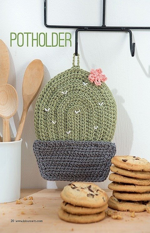 Potholder. Make a Crochet Garden. Leisure Arts. Book Review by Oombawka Design Crochet.