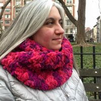 Smoothie Infinity Scarf free crochet pattern by Underground Crafter