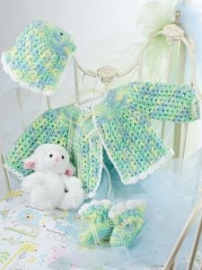 Gumdrop Layette. Beautiful Baby Boutique II. Annies Craft Store. Book Review by Oombawka Design Crochet