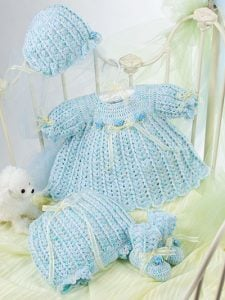Oh So Blue Layette. Beautiful Baby Boutique II. Annies Craft Store. Book Review by Oombawka Design Crochet