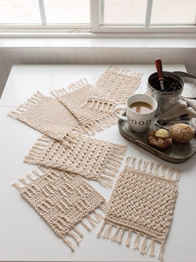 Rustic Mug Rugs from Annie's Signature Designs. Annie's Craft Store. Review by Rhondda Mol Oombawka Design Crochet
