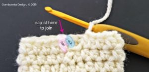 Easy On No Scratch Baby Mitts joining technique oombawkadesigncrochet