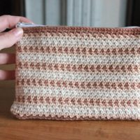 Featured at Wednesday Link Party 300 Crochet Zipper Pouch