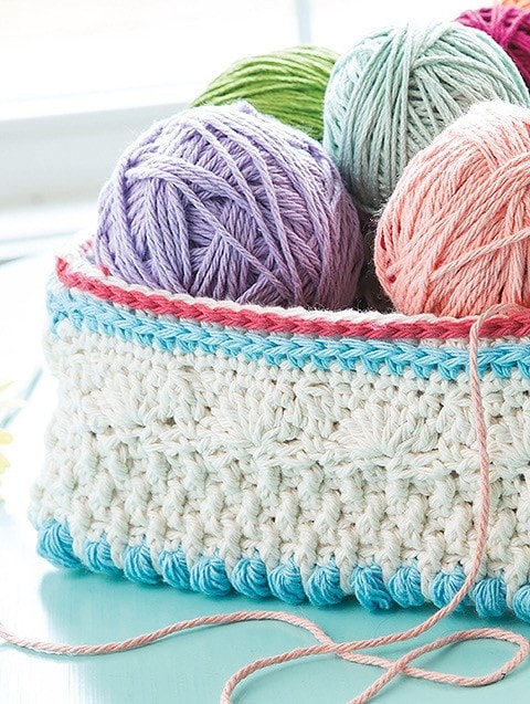 Basket from Overlay Crochet Patterns. Leisure Arts. eBook Review by Oombawka Design Crochet
