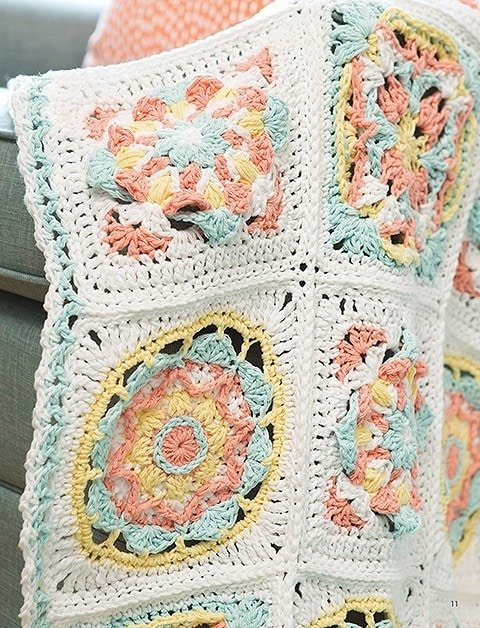 Blanket from Overlay Crochet Patterns. Leisure Arts. eBook Review by Oombawka Design Crochet