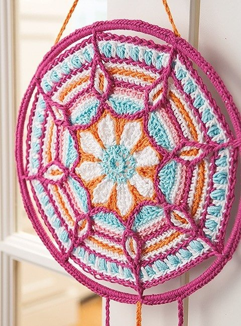 Mandala from Overlay Crochet Patterns. Leisure Arts. eBook Review by Oombawka Design Crochet