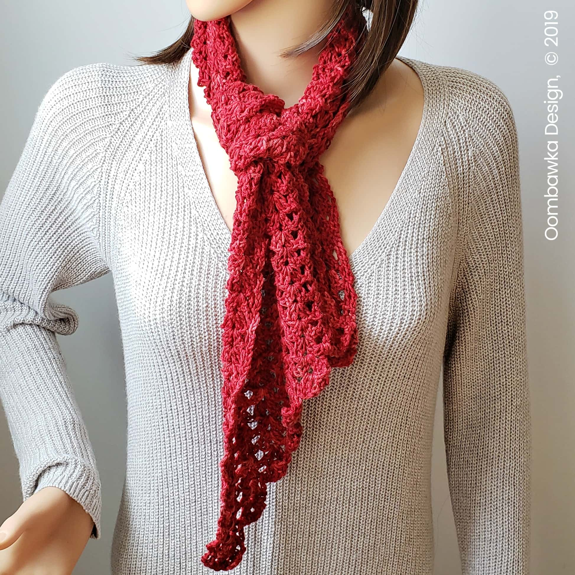 Sweet Cassidy Scarf Pattern. #scarfofthemonthclub2019 July Scarf of the Month Club Free Pattern. Pop by the blog to get the other 2 free crochet scarf patterns for July 2019.