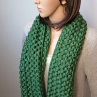 Verna Puff Stitch Infinity Scarf Pattern by Oombawka Design 2