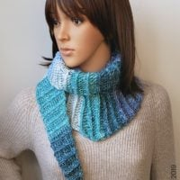 Alesha Fall Triangle Scarf Pattern by Rhondda Mol Oombawka Design Crochet 2019 PIN