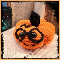 Featured at Wednesday Link Party 316 Harry Potter Pumpkin Crochet Pattern