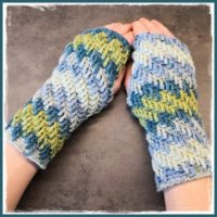 Wednesday Link Party 320 Featured Crochet Spiral Tulips Wrist Warmers by Frau Tschi Tschi
