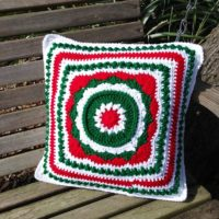 Buds-A-Blooming Christmas Throw Pillow Pattern
