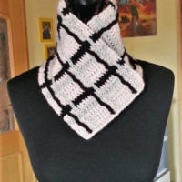 Featured at Wednesday Link Party 328 Plaid Shawl Collar Free Pattern