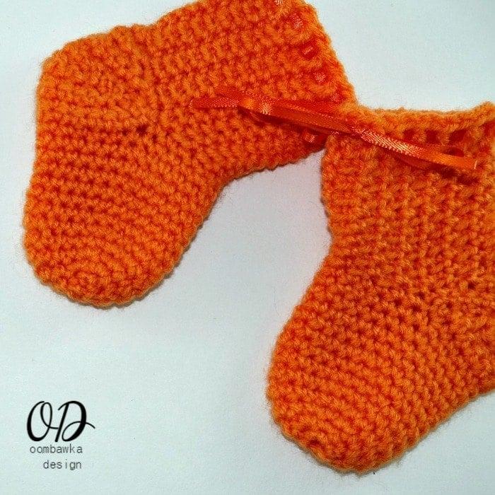 Crochet Socks Pattern Baby : Little Baby Socks Free Crochet Pattern Oombawka Design ...