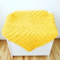 Featured at Wednesday Link Party 336 Chenille Yarn Baby blanket