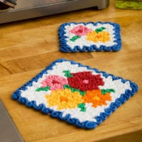 May Flowers Hot Pad Pattern by Yarnspirations