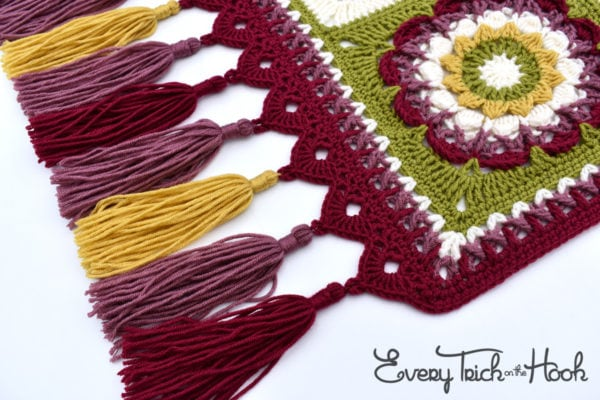 Magic Carpet Edge by Polly Plum Featured at Free Pattern Friday