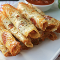Keto Friendly Pizza Rolls Moola Saving Mom Featured at Wednesday Link Party 340