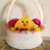 Peek A Boo Easter Chick Basket via Crochet Crowd Featured at Free Pattern Friday