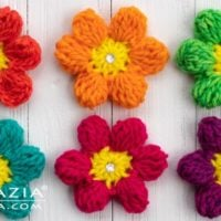 Easy Spring Flower Pattern - Featured at Free Pattern Friday - Oombawka Design
