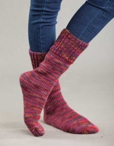 Family Tube Socks - ULTIMATE Oval Loom Knitting Set - Review OombawkaDesignCrochet