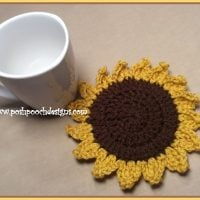Sunflower Coaster Pattern Featured at Free Pattern Friday