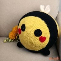 Benevolent_Bumble_Bee_ Featured Free Pattern Friday