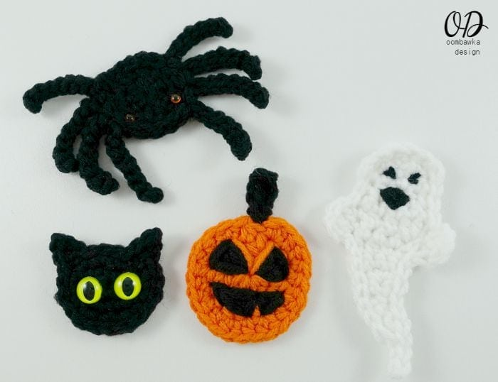 Happy Halloween Embellishments | Free Pattern | oombawkadesigncrochet.com