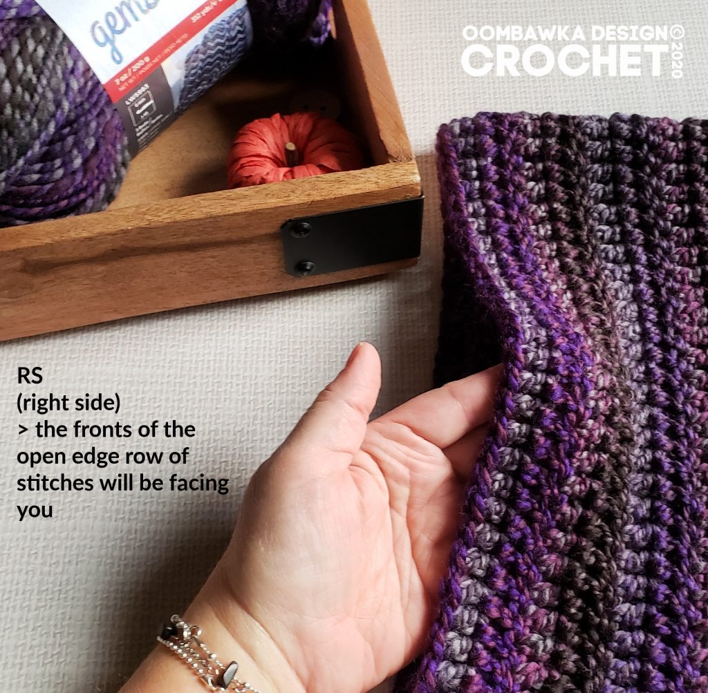RS of sts facing you - Tutorial Ametrine Hooded Pocket Scarf ODC2020