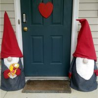 how to make outdoor Christmas gnomes - Wednesday Link Party