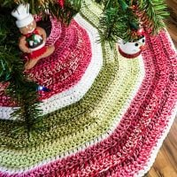 Holly Jolly Christmas Tree Skirt - FPF