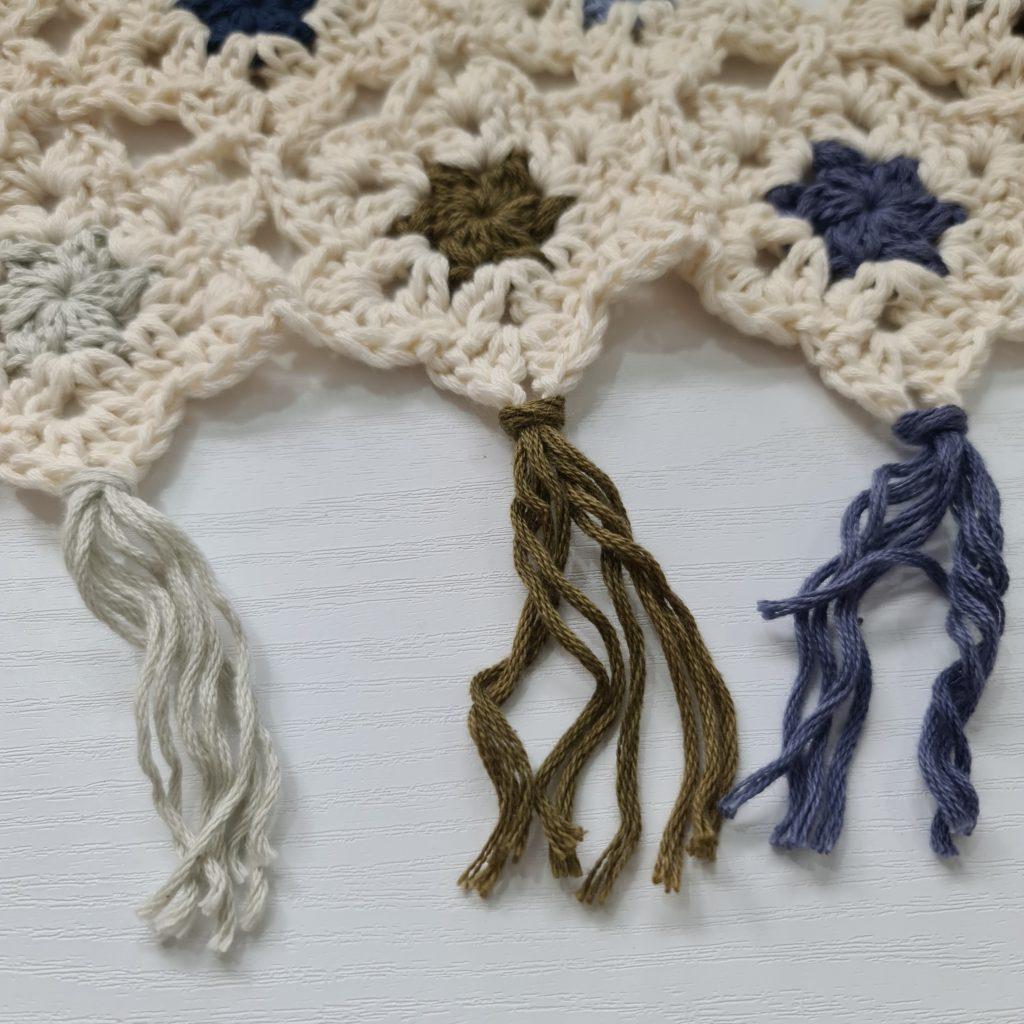 Tassels - Tutorial - Autumn Stars Infinity Scarf