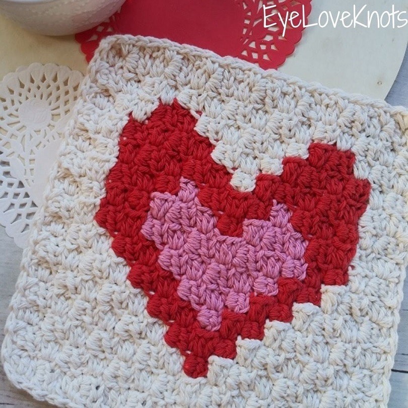 C2C Enamored Hearts Washcloth - Wednesday Link Party 386
