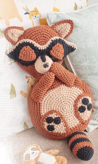 Cuddle-Buddies-Raccoon-Leisure-Arts-Book-Review-Rhondda-Mol