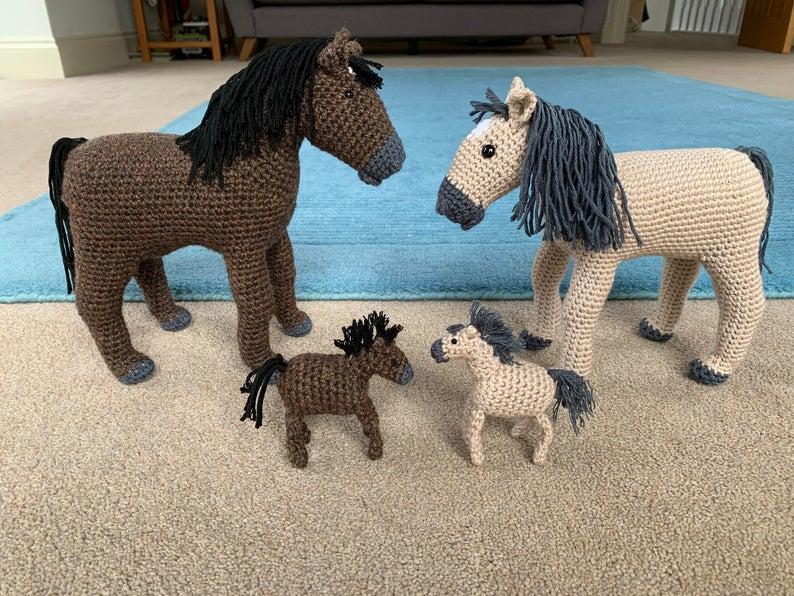 Horse with Foal Pattern - Crochet Pattern Finds
