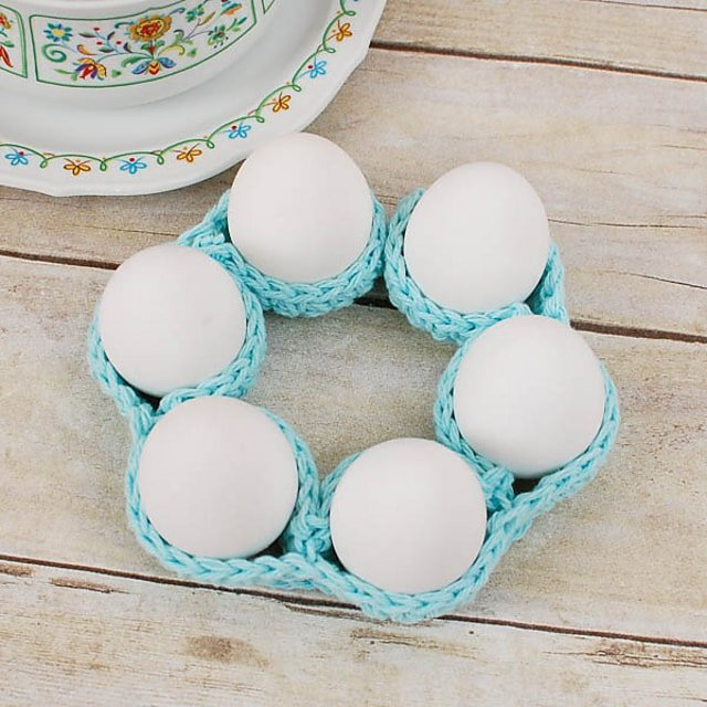 Easter Egg Cozy Table Decor - Free Pattern Friday