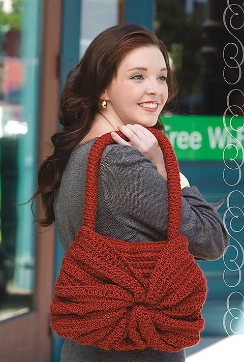 Swirl Handbag - Must Have Handbags - Leisure Arts - Book Review