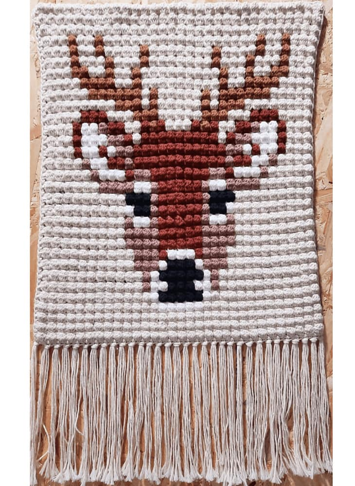 Deer Wall Hanging Bobble Stitch - Free Pattern Friday