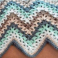 Lacy-Ripple-Afghan-and-Granny-Pillow-Pattern - Free Pattern Friday