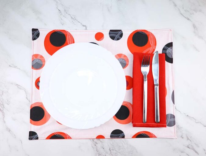 Link Party 394 - DIY Reversible Placemats