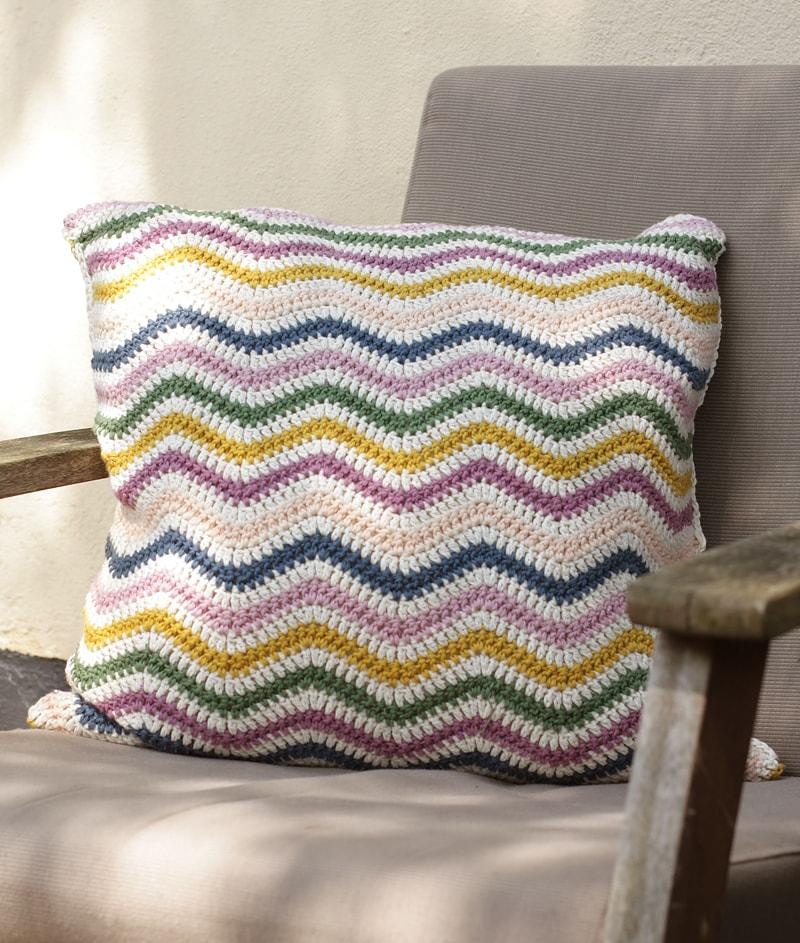 Zig Zag Pillow - Free Pattern Friday