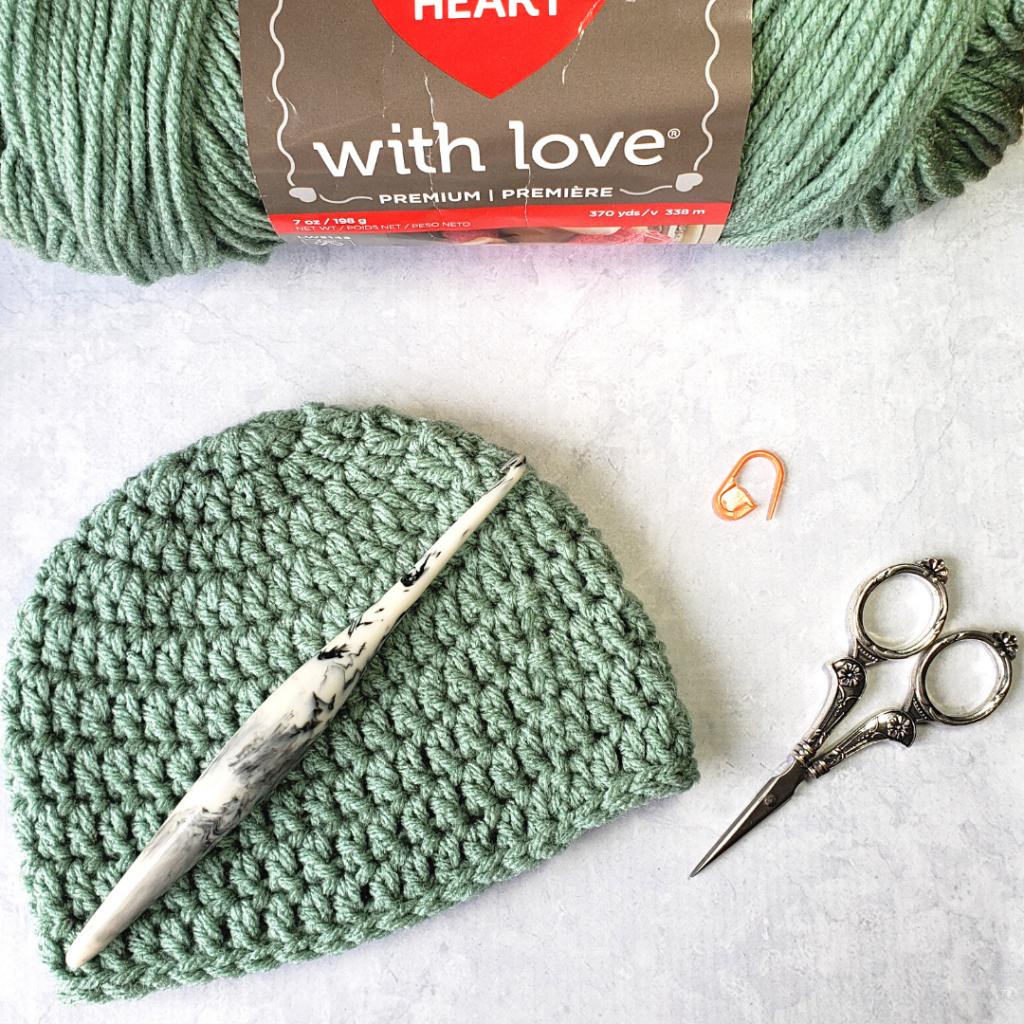 0-3 months Crochet Baby Hat Pattern and Video - @oombawkadesigncrochet