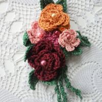 Crochet Rose Brooch Free Pattern - Wednesday Link Party 397