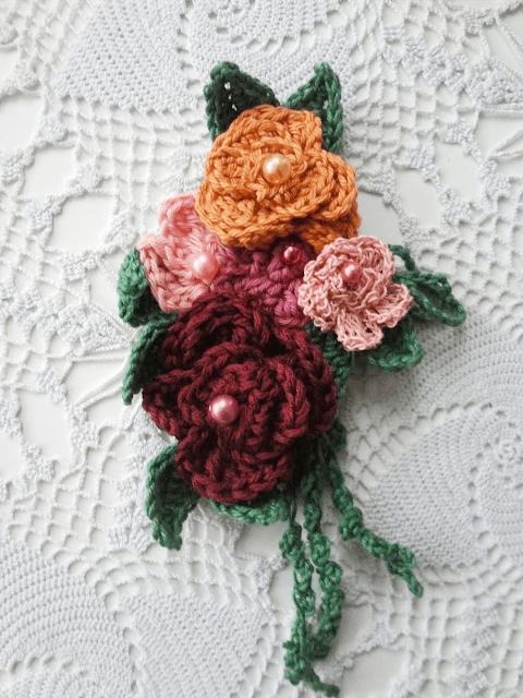 Crochet Rose Brooch - Free Pattern Friday