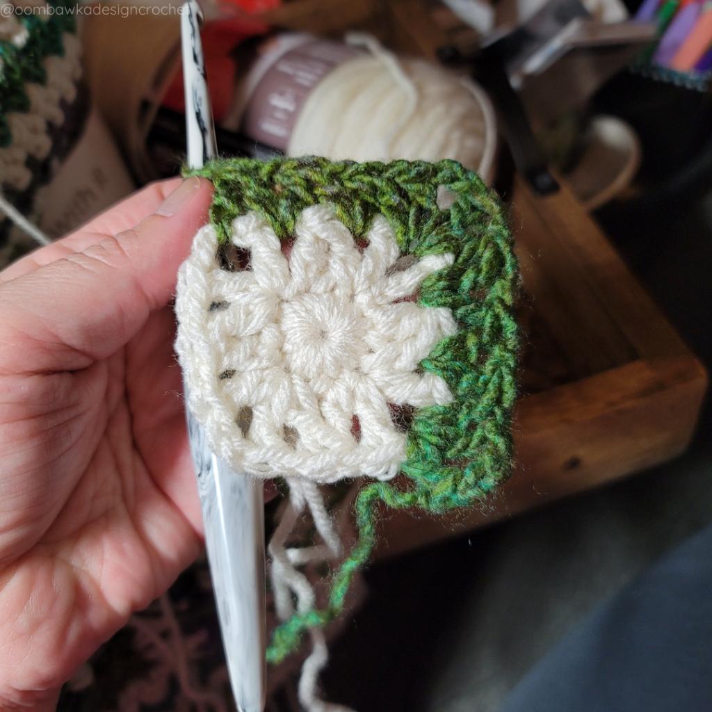 R3c My Favorite Crochet Blanket Pattern - @oombawkadesigncrochet