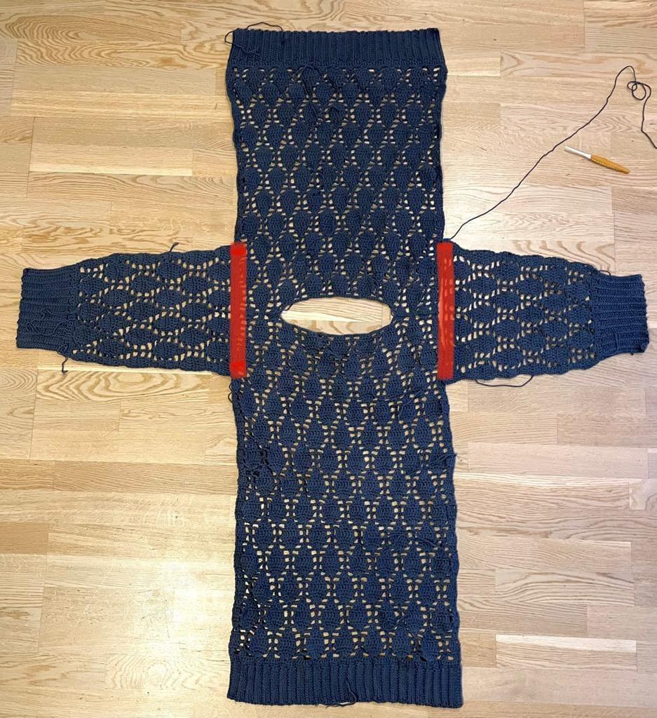 Shoulder seams - No Name Sweater