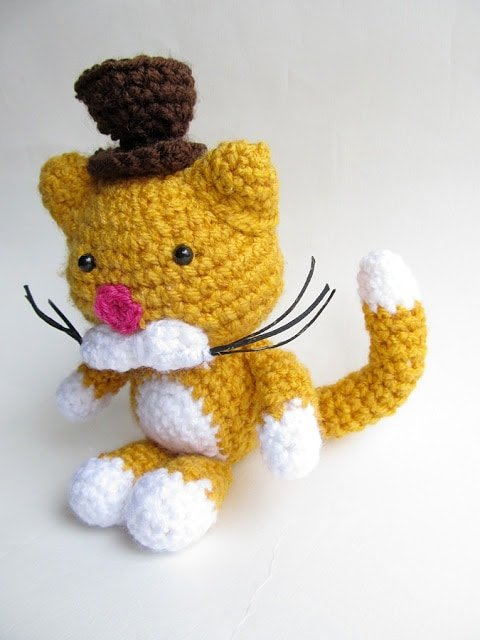 Amigurumi Cat Gentleman - Free Pattern Friday