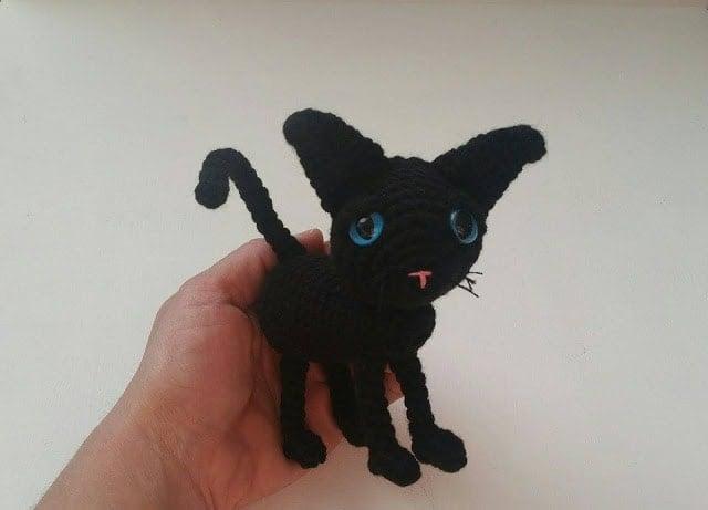 Cat - Free Pattern Friday