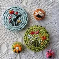Crochet covered buttons - Link Party 403
